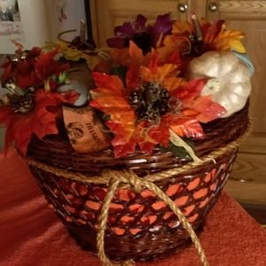 "13"" tall Basket with hand made pumpkins"
